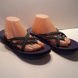 Women's size 11 Teva flip flops